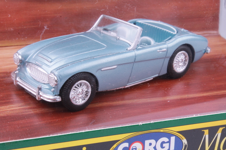 *1/43 Corgi D734 Austin Healey 3000 lightblue