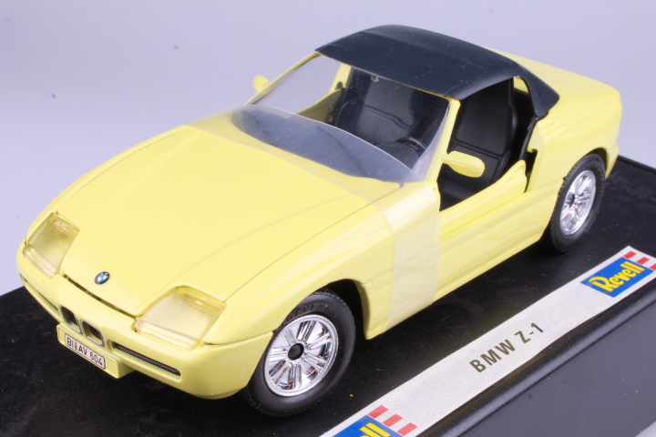*1/24 Revell 8620 BMW Z1 yellow