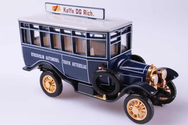*Matchbox YET04-M 1922 Scania Post Bus Stockholm Rich