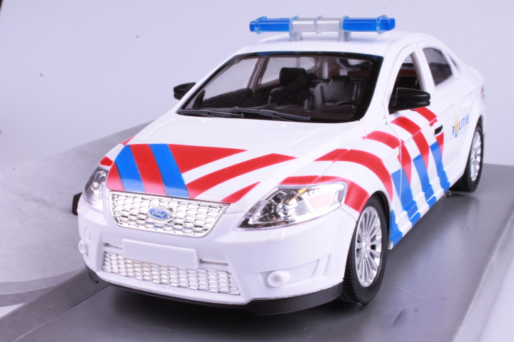 *1/18 Powco 12922 Ford Mondeo Police Car Holland