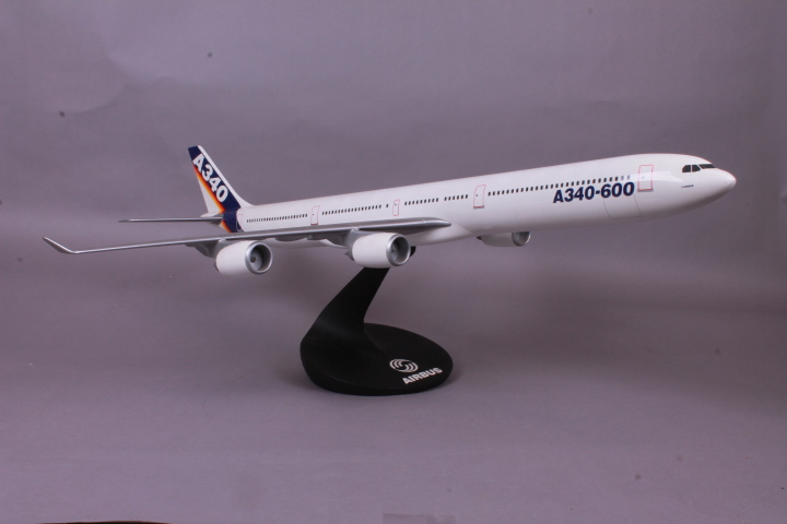 *Pacific Miniatures Airbus A340-600. Length 75cm. Wingspan 64cm. Height incl. Stand 25cm.