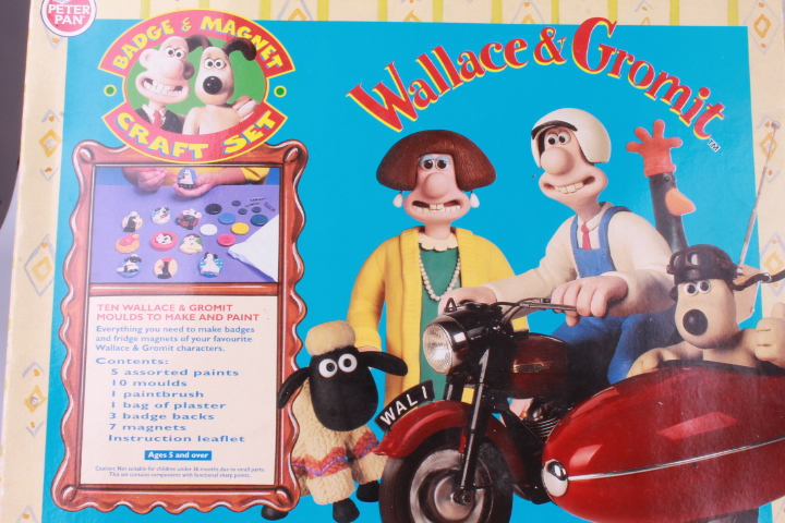 *Wallace & Gromit Badge & Magnet Craft Set