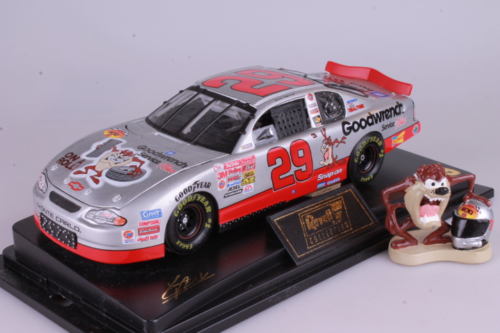 *1/24 Revell 101720 Chevrolet Monte Carlo #29 Goodwrench & TAZ